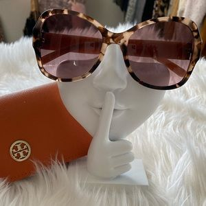 💯 Authentic Tory Burch Sunglasses